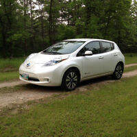 2014 Nissan Leaf SL with Premium Package,100% Electric