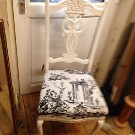 A pAir of chair shabby chic a pair