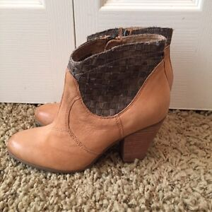 Leather Luxury Rebel boots brand new! Size 8 Cambridge Kitchener Area image 1
