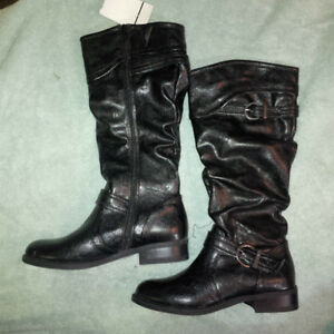 White Mountain Womens boots size 6 - brand new