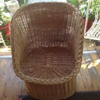 480: Wicker Retro Tub Chair $95