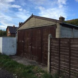 Lockup warehouse/garage - approx 20 foot wide - 27 foot long - easy access- no electric or water