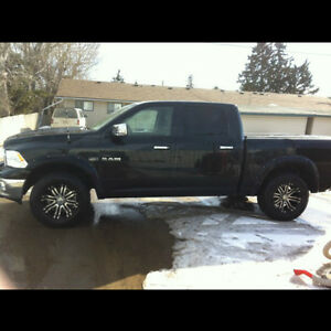 2009 Dodge Ram 1500 Laramie 4x4 Crew Cab Fully Loaded