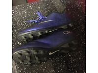 Nike ronaldo cr7 football boots 5,5