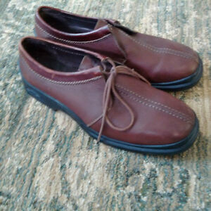 Cole Haan - Nike Air Country loafer 10.5 chocolate brown Kitchener / Waterloo Kitchener Area image 2