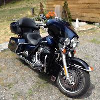 Beautiful touring bike, blue over black
