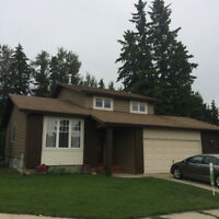 Stony Plain home with an amazing view!