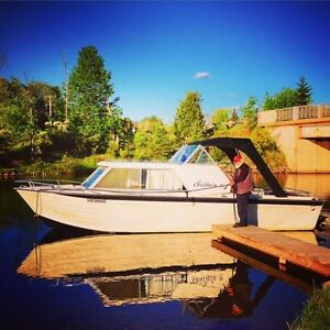 25 Ft 1973 Chieftain  Starcraft boat