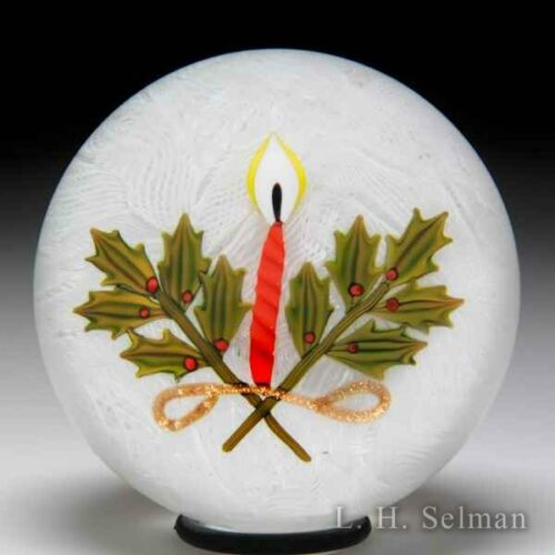 Peter McDougall Studio 2007 Christmas candle and holly glass art paperweight