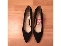 Clark Shoes Black size 8