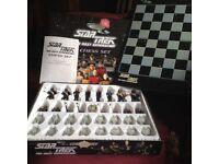 1999 Star Trek chess set