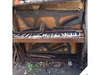 Free metal from piano