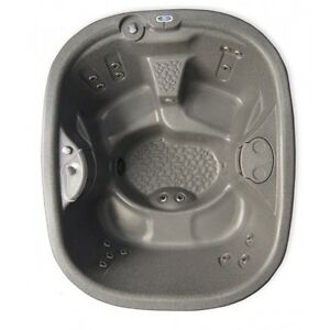 Urbania hot tub - Financing available - $53 a month
