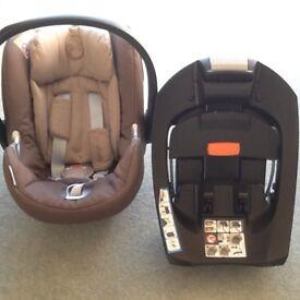 Mamas and Papas Aton Q base isofix and car seat Aton Q