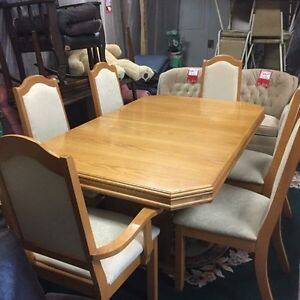 Table $350.   Cabinet $350. Or take the pair $600  Kingston Kingston Area image 2