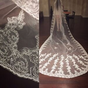 Wedding veil with sequin on lace/ voile de marriage