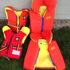 4 kids life jackets (Deep River)