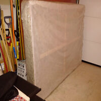 Box spring/ Sommier - Very clean - Queen size