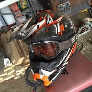 brand new used a couple of times raider dirtbike helmet
