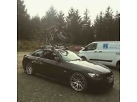 Thule BMW E92 roof rack + 2 Thule bike carriers