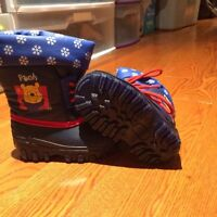 Winnie the Pooh winter boots, size 5