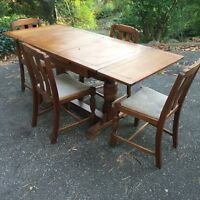 Oak Trestle Table with 4 Chairs