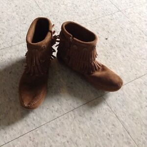 Brand new brown moccasins, size 5.5 Cambridge Kitchener Area image 1