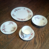Royal Albert fine bone china collection - Lavender Rose
