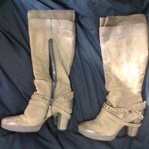 Size 41 (10.5) MJUS Boots
