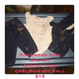 Rocawear 0-6m girls 3pc outfit $15