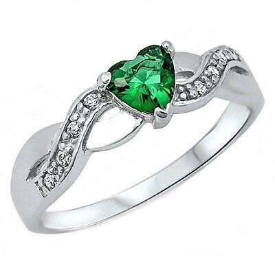 (Pakuna: 0.6ct Heart-cut Emerald Ice CZ Silver Crossover Infinity Promise Ring)
