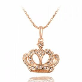 Cute Rhinestone Crown Pendant Necklace For Women