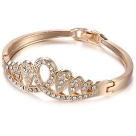 Stylish Rhinestone Hollowed Crown Bracelet For Women