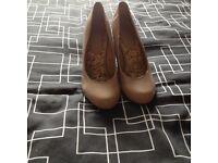 Women's nude shoea