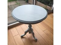 Coffee side table in MINT CONDITION