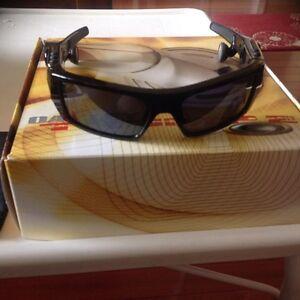 Oakley-Thump-512MB-MP3-sunglasses Regina Regina Area image 1