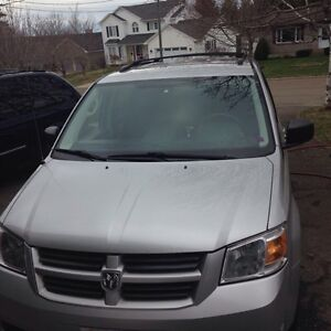 (REDUCED) FOR SALE 2008 DODGE GRAND CARAVAN SE