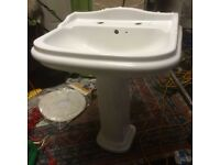 Traditional style sink and pedestal