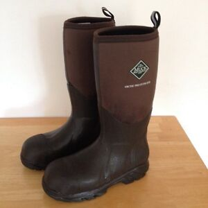 Muck Boots size 10