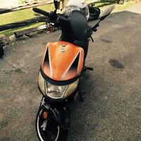 Scooter 275$ (keeway hurriaine 2007)