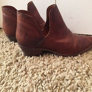 Steve Madden leather boots brand new! Size 8 Cambridge Kitchener Area image 4