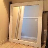 Mirroir en bois massif/ Wood frame mirror