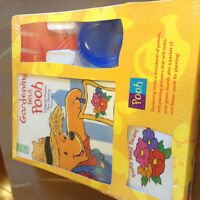 NEW GARDENING WITH POOH KIT IN BOX