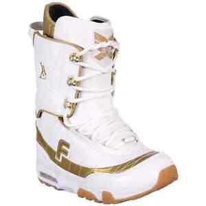 Snow board, bindings and boots size 11 Kitchener / Waterloo Kitchener Area image 4