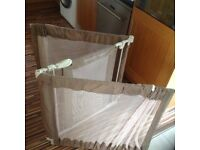 Safety gate/room divider