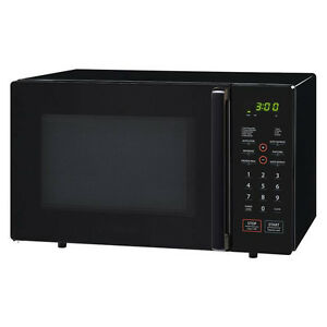 Magic Chef Microwave Oven w/Trim Kit