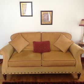 For Sale 3 Seater 2 Seater Settee and chair