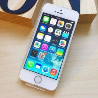 iPhone 5S 16 GB Gold with headphone and charging cable Surfers Paradise Gold Coast City Preview