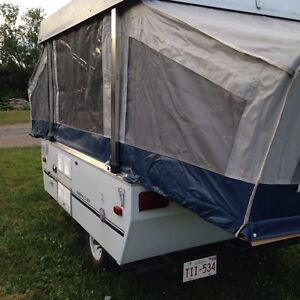 2003 Coleman 8' tent trailer by Fleetwood