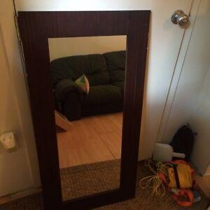 Miroir avec cadre